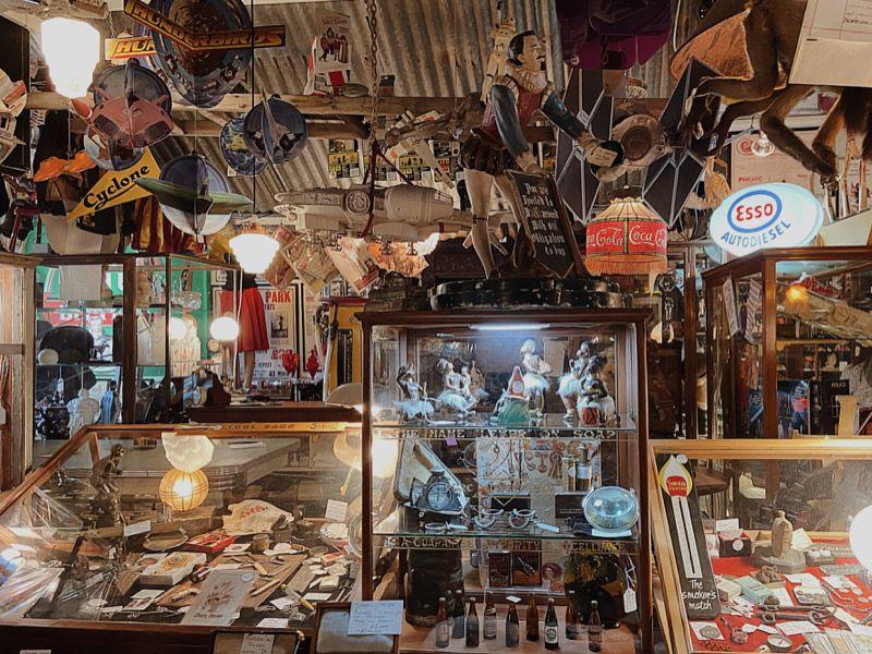 西澳玩具古董店